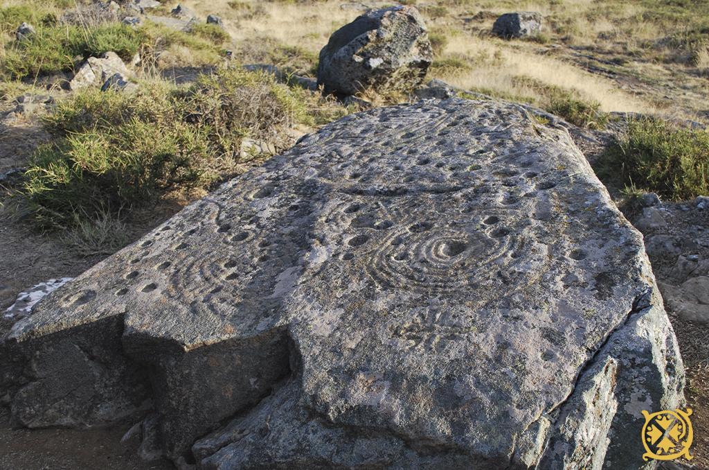 la-lecheria-petroglifo-maragateria