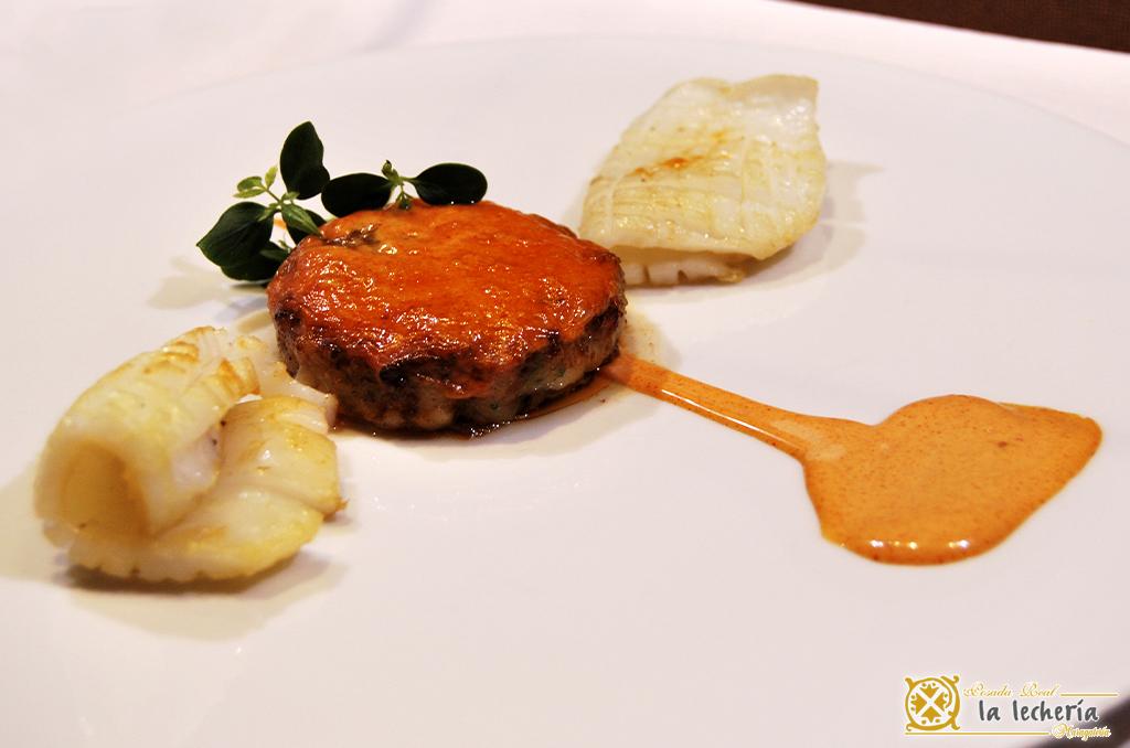 la-lecheria-plato-con-salsa